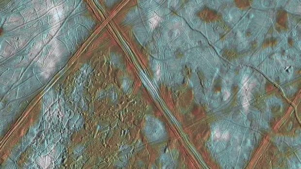 Detalle de la superficie helada de Europa - NASA/JPL/University of Arizona